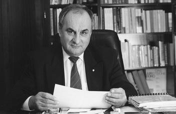 Elhunyt Németh János