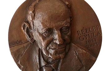 A  Rézler Gyula Alapítvány ösztöndíjpályázatai