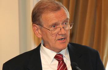 Elhunyt Györgyi Kálmán