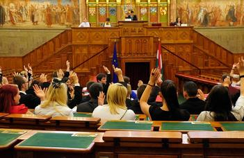 Parlamenti gyakorlati lehetőség nappali tagozatos hallgatók részére