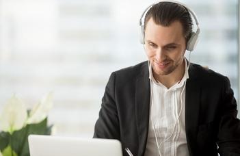 Online szakdolgozatvédések az ÁJK-n